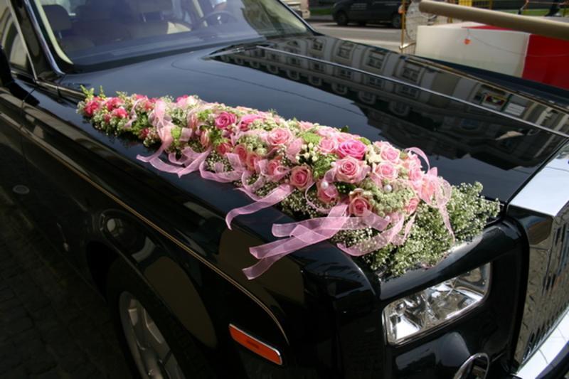 Цветочные украшения на машину своими руками 22
